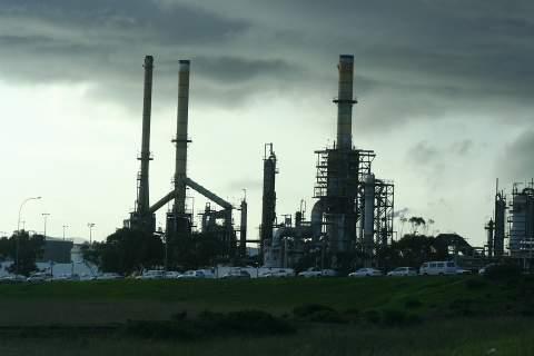 IEA: Πιθανή η κυριαρχία των ΗΠΑ στην παραγωγή πετρελαίου το 2018