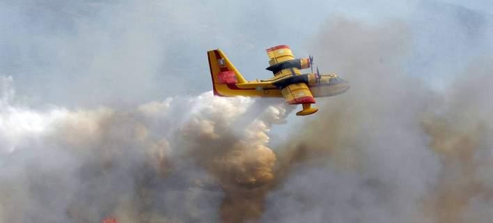 Αλβανία: Συνεχίζονται οι προσπάθειες κατάσβεσης της πυρκαγιάς πάνω από ελληνικό μειονοτικό χωριό