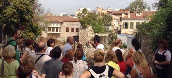 Κυριακάτικη ξενάγηση στην Πλάκα: Στα ταβερνάκια που έπινε ρετσίνα η Βίβιαν Λι με τον Λόρενς Ολιβιέ