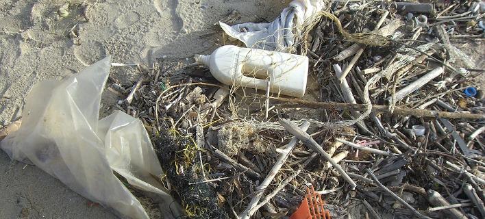 «Για το 2018, η ημέρα είναι αφιερωμένη στην αντιμετώπιση της πλαστικής ρύπανσης» φωτογραφία: pixabay