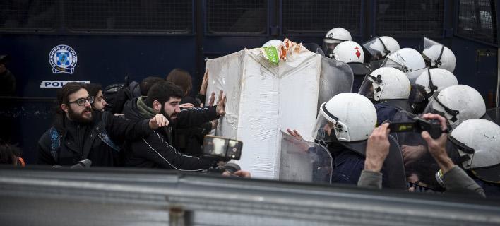 Ερχεται αυτεπάγγελτη δίωξη για όσους εμποδίζουν τους πλειστηριασμούς / Eurokinissi-ΜΠΟΛΑΡΗ ΤΑΤΙΑΝΑ