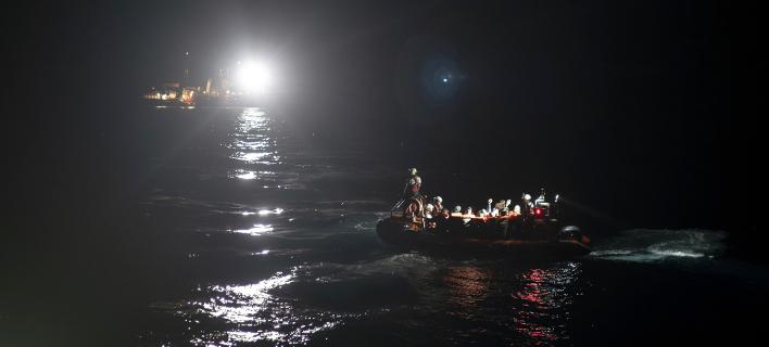 Πλοίο με μετανάστες- Φωτογραφία AP images