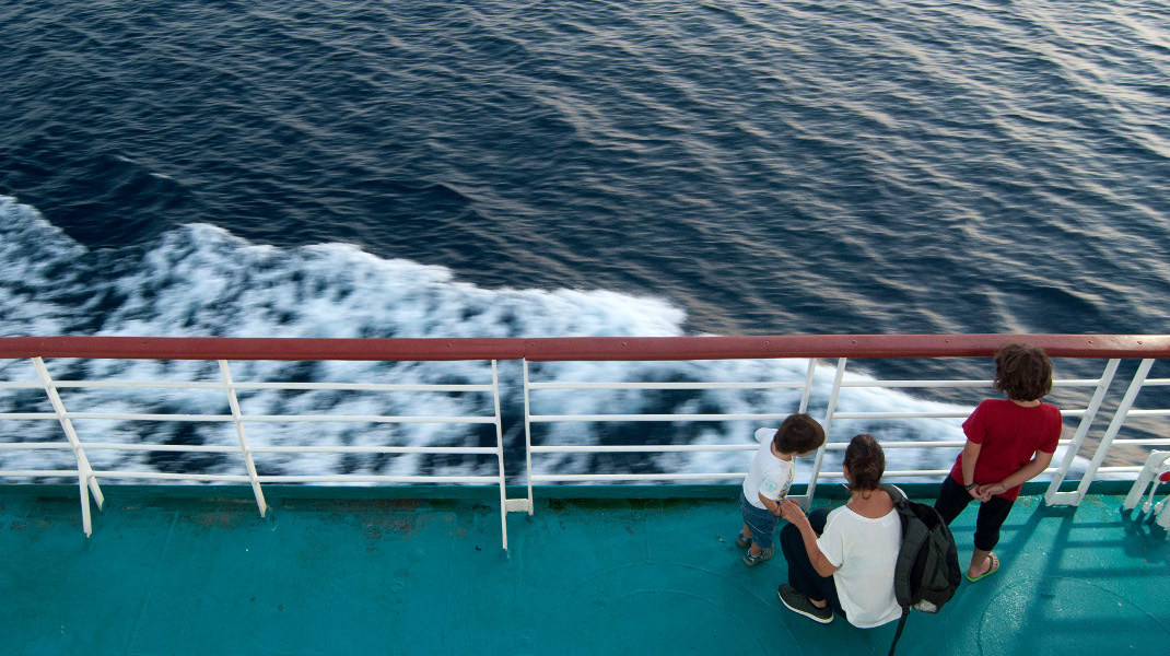 Γιατί οι διακοπές ξεκινούν από την ώρα που ανεβαίνεις στο πλοίο -Φωτογραφία: Intimenews/ΑΝΔΡΙΚΟΠΟΥΛΟΥ ΜΑΡΙΑ