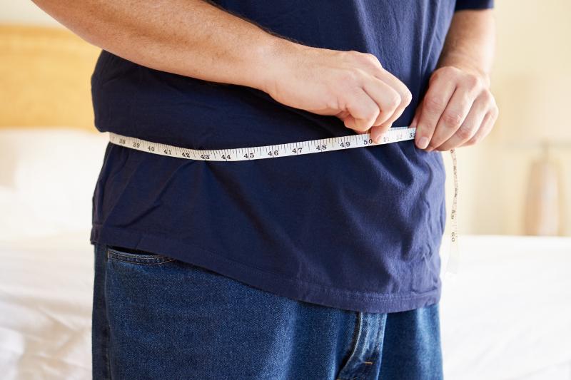 a87a0fc9fa57 6 στιλιστικές συμβουλές για άνδρες με κιλάκια -Πώς θα δείχνετε πιο κομψοί  και αδύνατοι