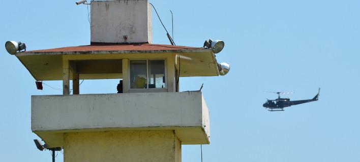 Οι αστυνομικοί βιντεοσκοπούσαν από ελικόπτερο της αστυνομίας/ Φωτογραφία: Bernandino Hernandez/AP