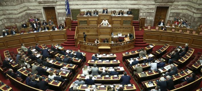 Για το πολυνομοσχέδιο σήμερα η μάχη -Ψηφίζεται στη Βουλή το μεσημέρι
