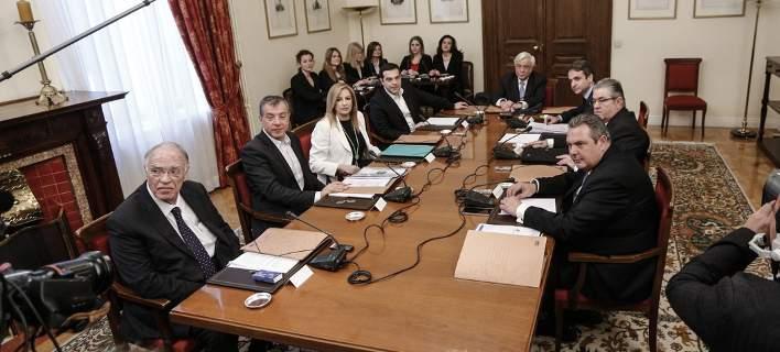 Πυρ ομαδόν από την αντιπολίτευση για το «success story» του Τσίπρα στο υπουργείο Εργασίας