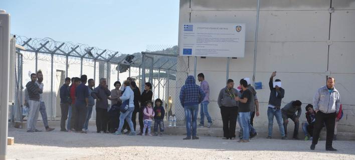 Νέα ένταση στην ΒΙ.ΑΛ. στη Χίο -Πρόσφυγες έκαψαν κουβέρτες