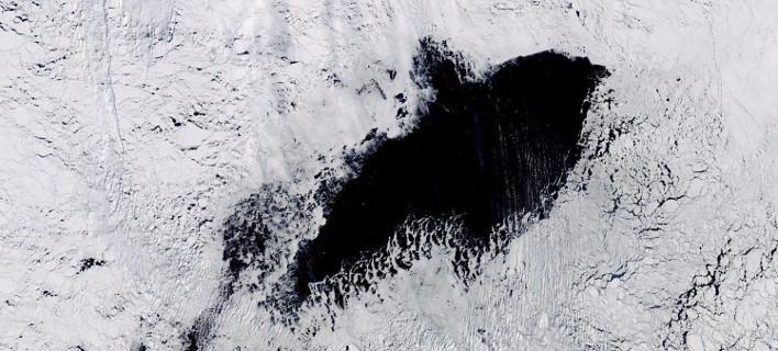 Η τρύπα υπολογίζεται ότι έχει έκταση  78.000 τ.χλμ. (Φωτογραφία: NASA)