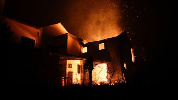 portugal1aa170a Πύρινος εφιάλτης στην Πορτογαλία: Τουλάχιστον 43 νεκροί [εικόνες - βίντεο]