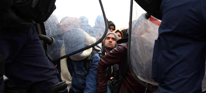 Γιατροί του Κόσμου: Καταγγέλλουν αλόγιστη χρήση βίας σε βάρος προσφύγων στην ΠΓΔΜ