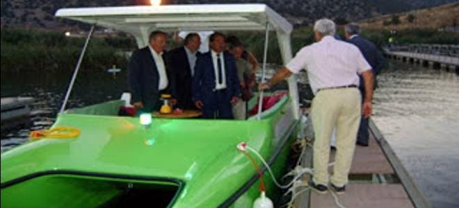 Το πρώτο «πράσινο» ηλιακό πλεούμενο στην Ελλάδα απέκτησε ο Δήμος Πρεσπών