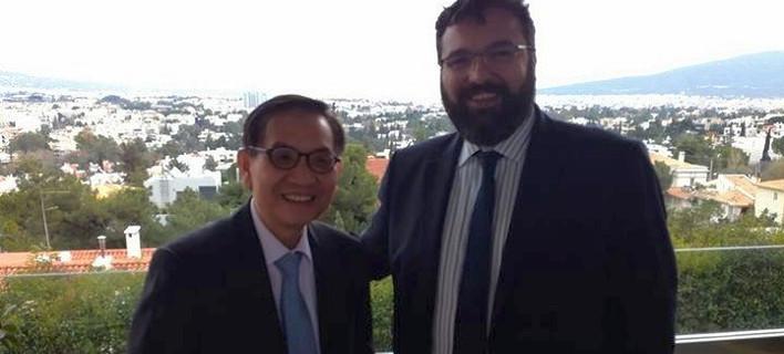 Ο Αν Γιονγκ Τζιπ με τον υφυπουργό Αθλητισμού Γιώργος Βασιλειάδης, φωτογραφία: ΑΠΕ-ΜΠΕ