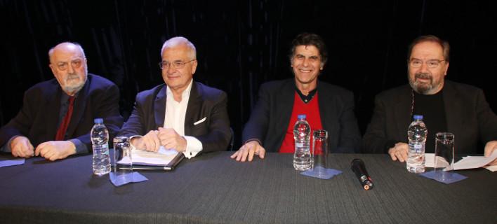 Θεατρικές αναμνήσεις και πολλά γέλια χθες βράδυ στο Μικρό Παλλάς, στην εκδήλωση για τον Κώστα Πρετεντέρη [εικόνες]