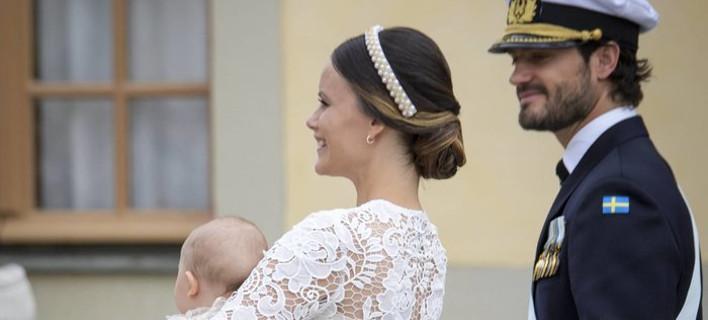 Κάντο όπως η Κέιτ -Η Σοφία της Σουηδίας στη βάπτιση του γιου της με σύνολο αλά Μίντλετον [εικόνες]