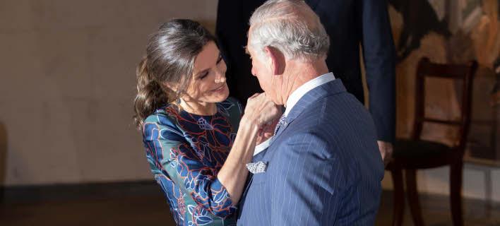 Η βασίλισσα Λετίθια της Ισπανίας με τον πρίγκιπα Κάρολο. Φωτογραφία: Splash News