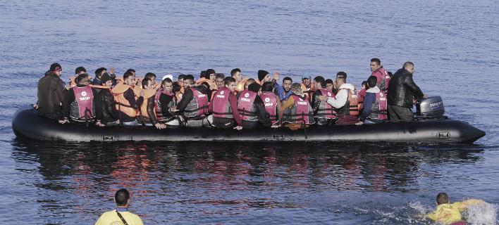 Ασφυξία στη Λέσβο: 2.000 πρόσφυγες και μετανάστες έφτασαν στο νησί από αρχές Οκτωβρίου