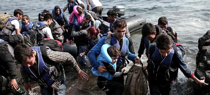 Η ΕΕ στέλνει στρατό κατά των δουλεμπόρων -Απόγνωση με τους πρόσφυγες