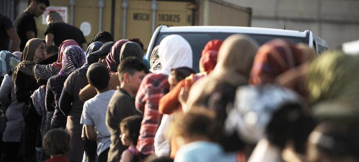 Στον Πειριαά 79 πρόσφυγες από τη Μυτιλήνη/ Φωτογραφία αρχείου: EUROKINISSI- ΤΑΤΙΑΝΑ ΜΠΟΛΑΡΗ