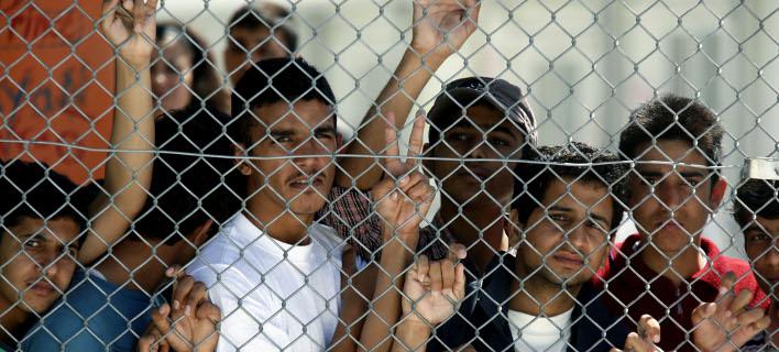 FAZ: Μετανάστες εγκαταλείπουν οικειοθελώς την Ελλάδα