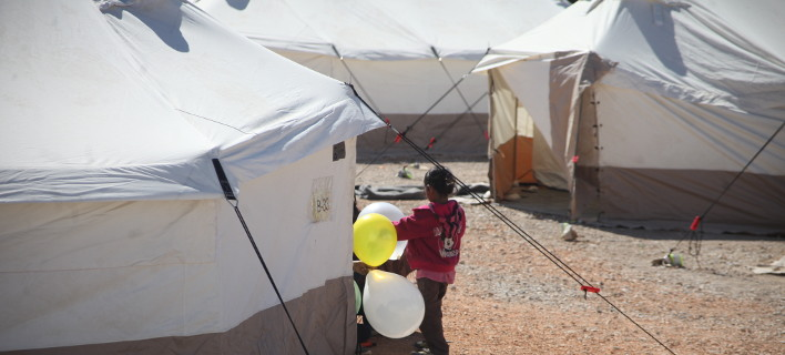 Προσφυγόπουλα από την Ελλάδα θα ταξιδέψουν στη Βρετανία / Φωτογραφία Εurokinissi - ΖΩΝΤΑΝΟΣ ΑΛΕΞΑΝΔΡΟ