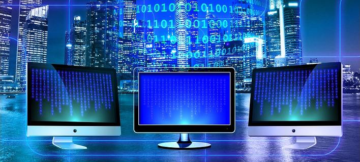 Όλες οι παγίδες του διαδικτύου για τα παιδιά και τι να προσέξετε - Μπλε φάλαινα, grooming και chat rooms