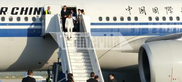 Η κ. Μπαζιάνα η πρώτη που αποβιβάστηκε από την απευθείας πτήση από το Πεκίνο