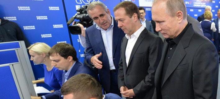 Ανετη νίκη για το κόμμα του Πούτιν: 51% στις βουλευτικές εκλογές