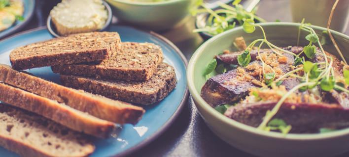 Πώς να βάλεις τα φαγητά στο πιάτο σου αν θέλεις να χάσεις βάρος