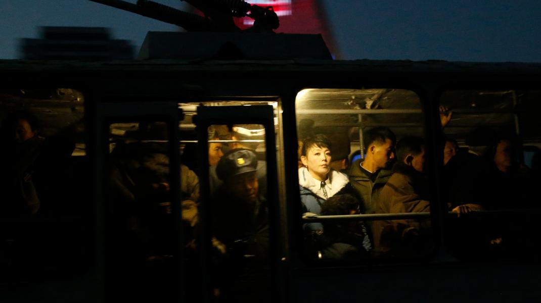 Μια από τις σπάνιες φωτογραφίες από την καθημερινότητα στη Βόρειο Κορέα -Φωτογραφία: AP Photo/Dita Alangkara