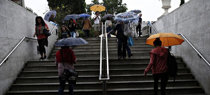 Συννεφιά και βροχές την Πέμπτη- Εως 26 βαθμούς η θερμοκρασία