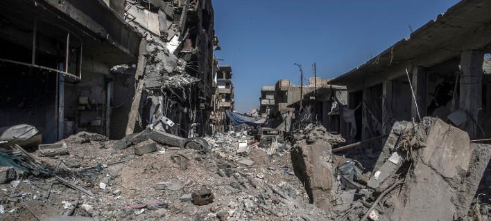Συντρίμμια η Ράκα, πόλη-ερείπιο -Εικόνες σοκ μετά την απελευθέρωση από τους τζιχαντιστές [βίντεο]