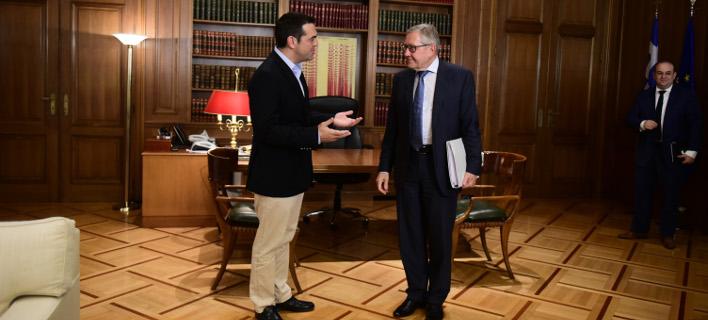Αλέξης Τσίπρας & Κλάους Ρέγκλινγκ (Φωτογραφία: Eurokinissi-ΜΠΟΛΑΡΗ ΤΑΤΙΑΝΑ)