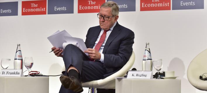Ο επικεφαλής του ESM, Κλάους Ρέγκλινγκ (Φωτογραφία: EUROKINISSI /ΒΑΣΙΛΗΣ ΚΟΥΤΡΟΥΜΑΝΟΣ)