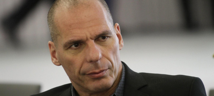 Reuters: Οι υπουργοί έτρωγαν μαζί και ο Βαρουφάκης περιπλανιόταν μόνος στο ξενοδοχείο