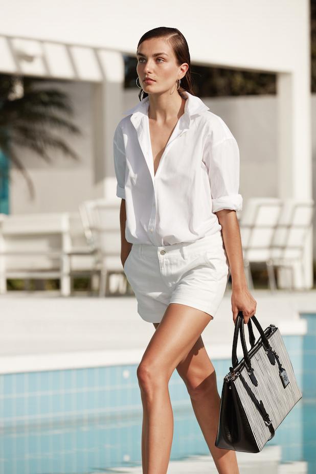 44ef03e46b2 Το λευκό είναι τάση -Πώς να το φορέσεις για να μη μοιάζεις με νύφη ...
