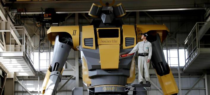 Ρομπότ-γίγαντας στην Κίνα (Φωτογραφία: ΑΠΕ-ΜΠΕ)
