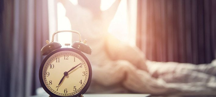 Γυναίκα που ξυπνάει /Φωτογραφία: Shutterstock