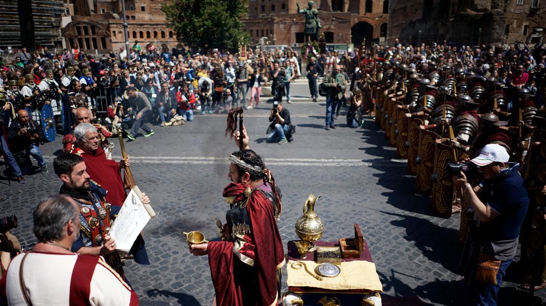 Γιορτές για την ίδρυση της Ρώμης στην Αιώνια Πόλη – Φωτογραφία: AP Photo/Andrew Medichini