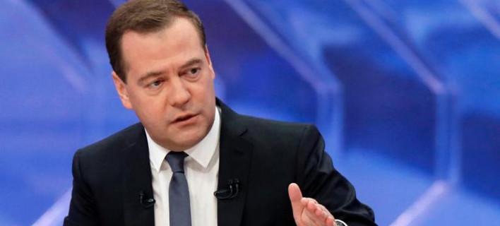 Μεντβέντεφ: Απειλεί την Τουρκία με ακύρωση εμπορικών συμφωνιών με τη ρωσική αγορά