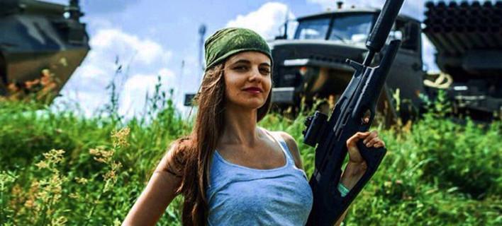 Ροσιγιάνα Μαρκόφσκαγια: Μια νεαρή καλλονή η νέα εκπρόσωπος του ρωσικού υπουργείου Αμυνας [εικόνες]