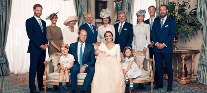 Η βασιλική οικογένεια μετά την βάφτιση του πρίγκιπα Λούις /Φωτογραφία: Instagram/kensingtonroyal