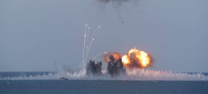 Δύο ρωσικά υποβρύχια μετείχαν σε ασκήσεις εντοπισμού και καταστροφής στόχων στη θάλασσα (Φωτογραφία αρχείου: ΑΡ/Pavel Golovkin)