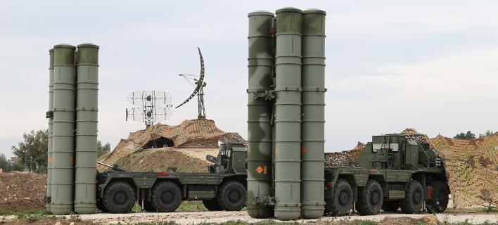 Συστοιχίες ρωσικών S-400 στη Συρία (Φωτογραφία: ΑΡ)