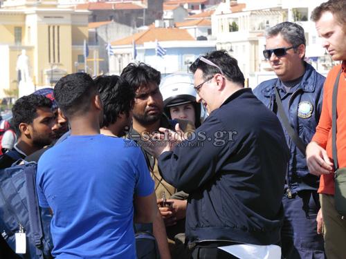 Τρόμος στη Σάμο -Πρόσφυγες έφυγαν από το hotspot απειλώντας με μαχαίρια και γυαλιά [εικόνες & βίντεο] | iefimerida.gr 7