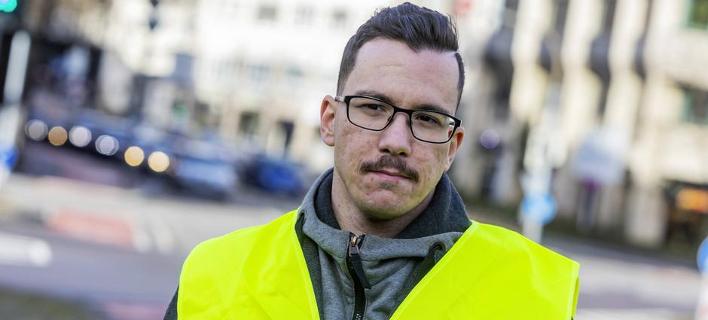 Ο Γιάννης Σάκαρος, επικεφαλής των «κίτρινων γιλέκων στη Γερμανία