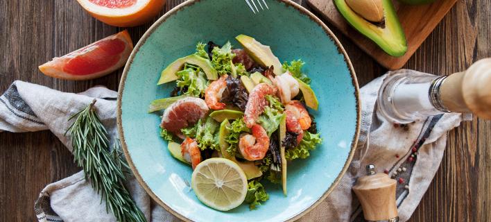 Σαλάτα με θαλασσινά /Φωτογραφία: Shutterstock
