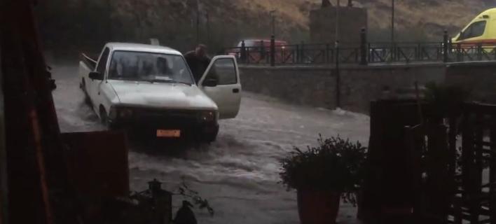 Νύχτα «αποκάλυψης»  στην Σαμοθράκη- Πλημμύρες, κατολισθήσεις και αποκλεισμένοι δρόμοι από την καταιγίδα στο νησί [βίντεο]
