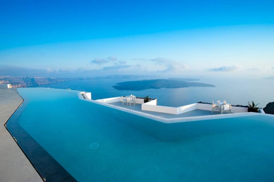 Μια προς μία υπέροχες: 10 πισίνες ανά τον κόσμο με απίστευτη θέα! Ανάμεσά τους και μία ελληνική
