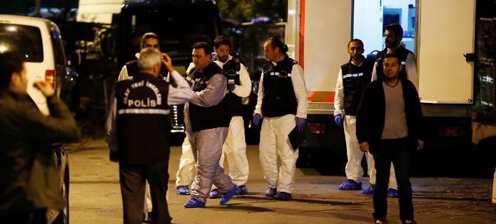 Ομάδα Τούρκων εμπειρογνωμόνων χτένισε επί εννέα ώρες το προξενείο της Σ. Αραβίας (Φωτογραφία: AP /Emrah Gurel)